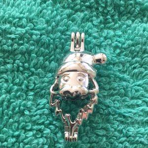 Jewelry - Santa cage
